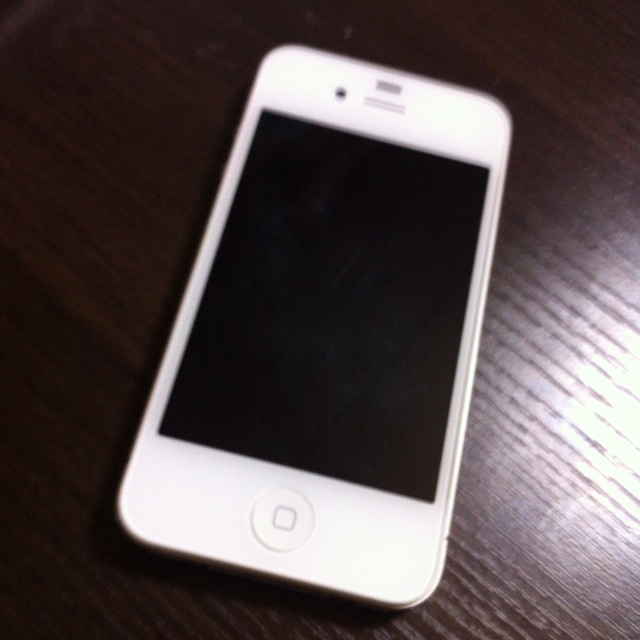 iPhone4sが水濡れ~画面が映らなくなったので修理